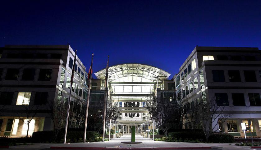 Apples icloud may be drifting to google unlock iphone