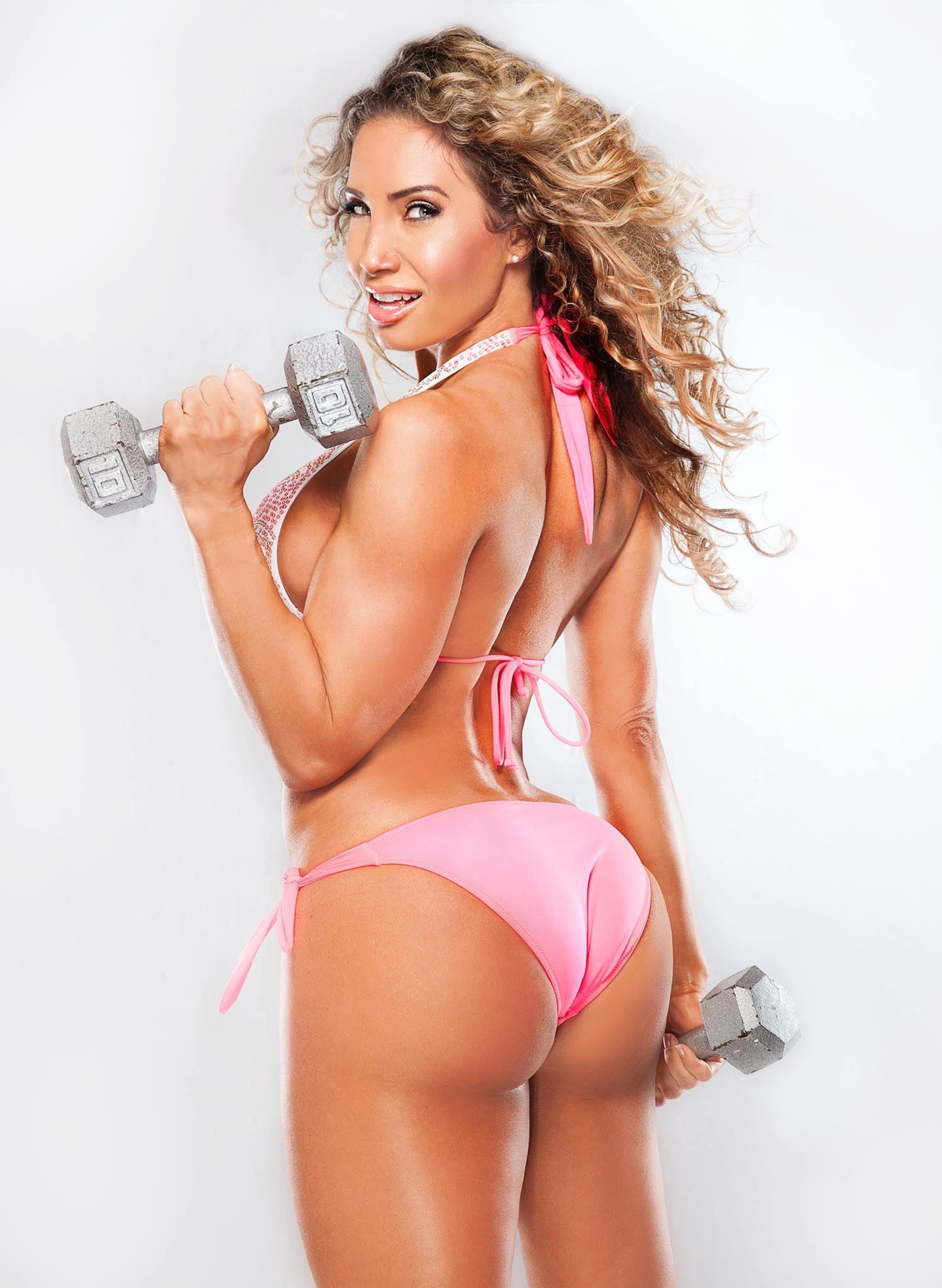 Watch Lyzabeth Lopez Bikini video