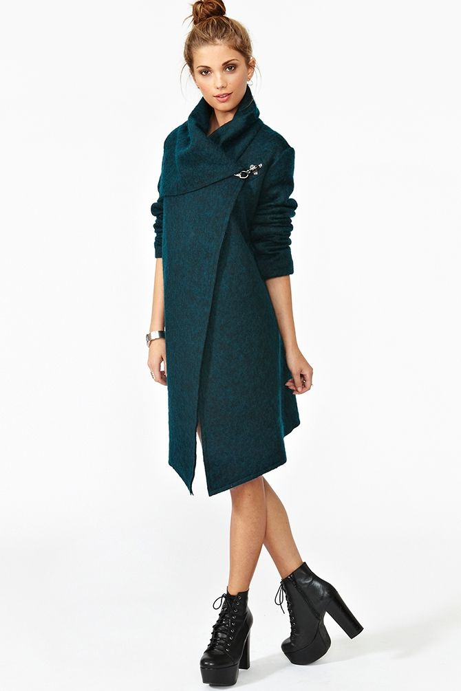Christopher Wool Coat - want a new coat for this winter sooo badly ...
