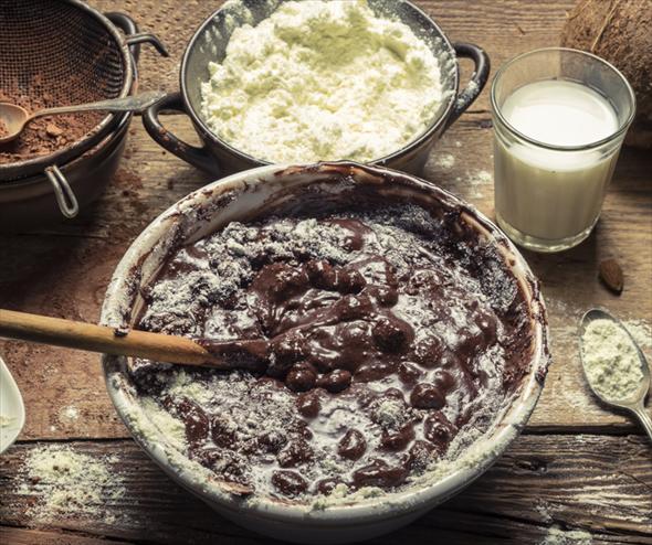 Torta de chocolate con merengues para San Valentín - Receta