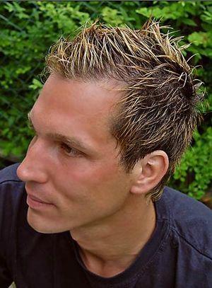 Men S Short Hair Style In Blonde With Gel Men S Haircolor Men