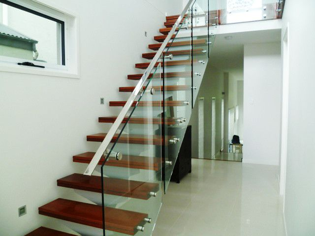 Best Will Not Have Floating Stairs But Will Have Glass Side 400 x 300