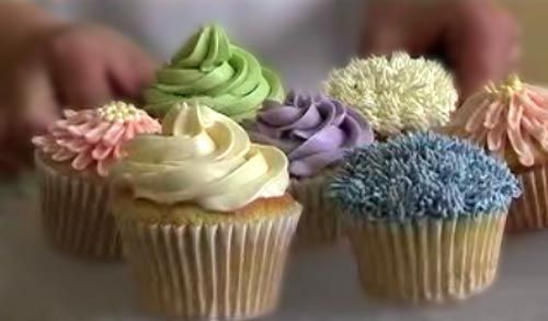 Video tutorial on Cup Cake Decorating - you betcha