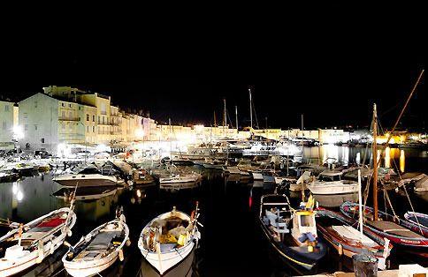 Il porto dei pescatori della mitica Saint Tropez.   Photo Giovanni Antinori per Vetrine