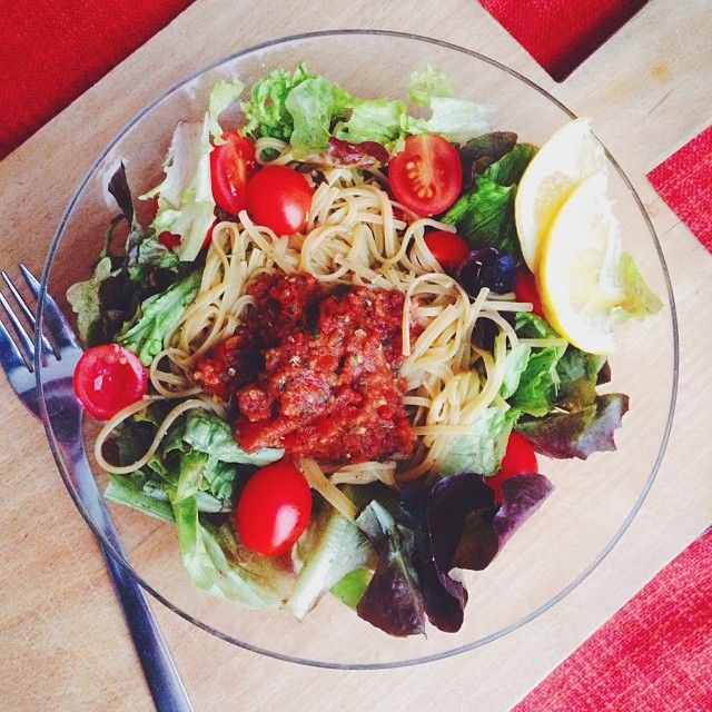 delicious dinner! i had brown rice - pumpkin - ginger pasta (awesome) from a local organic store and i really tasted the ginger in the noodles, with a raw tomato sauce and lettuce. if you're interested in the recipe of the sauce let me know! #Padgram