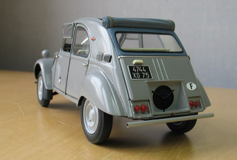 Citroen 2cv Sahara 1 24 Scale Model Car Humor Scale Models Car Model