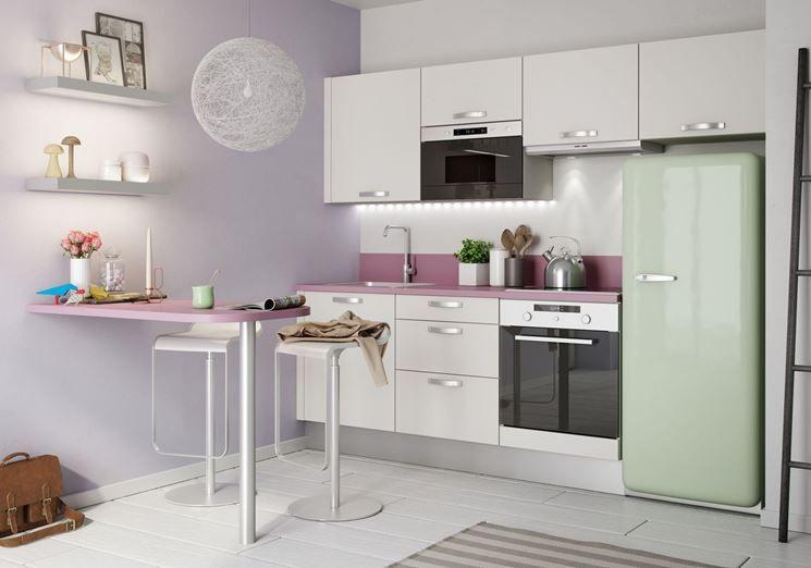 Soluzioni cucine piccole cucina appartamento piccolo for Soluzioni di arredamento per case piccole