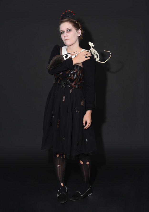Gutter Girl © BuzzFeed and Netflix - last min halloween costume ideas