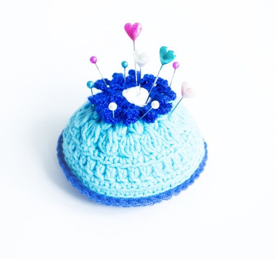 Cute little crochet pin cushion. Blue flower by CatANeedle on Etsy