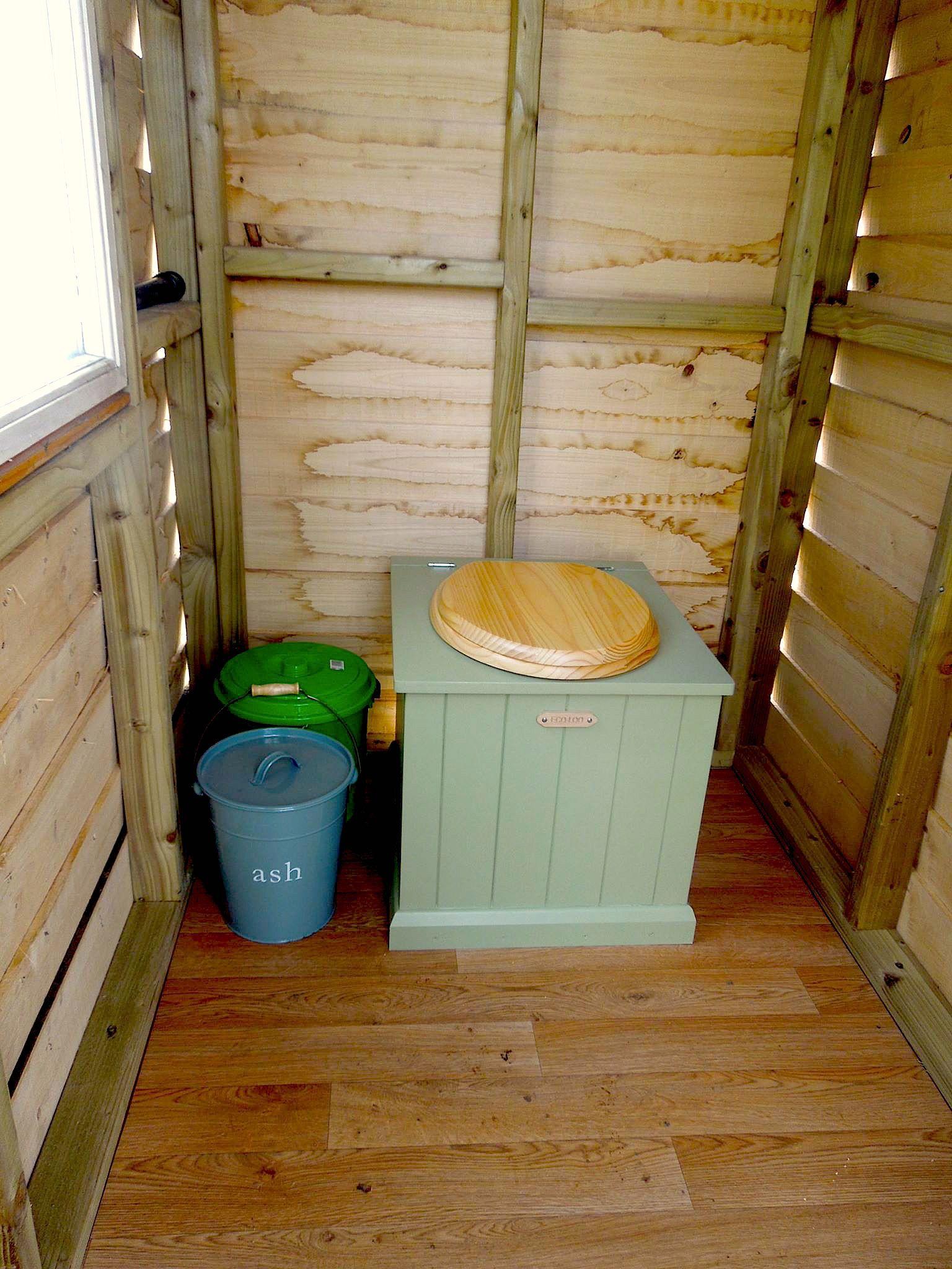 Toilettes Sèches, Intérieur Bateau, Cochon Du0027inde, Idées Palettes, Toilettes,  Maisons Minuscules, Yourtes, Meuble