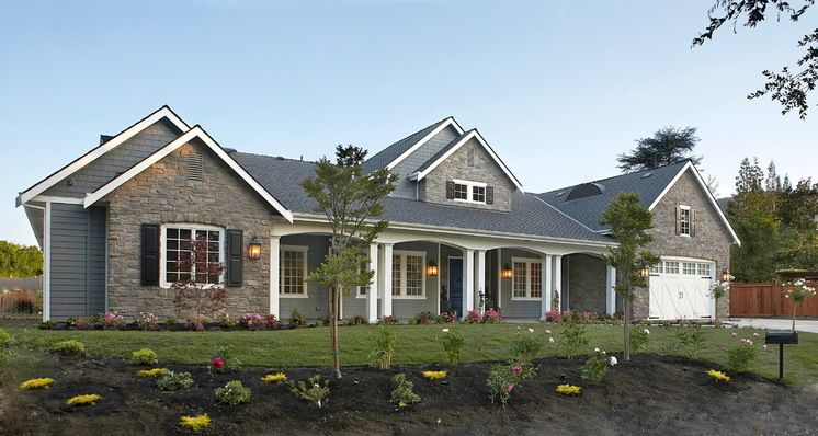 Traditional Exterior by Fautt Homes