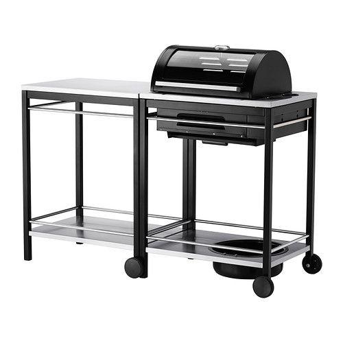 IKEA - KLASEN, Gasgrill med vogn, rustfrit stål, , Hvis du kombinerer KLASEN gasgrill og KLASEN rullebord, får du et madlavningsområde og praktisk sted at sætte serveringsfade og grilltilbehør.Hylden af rustfrit stål har en slidstærk overflade, der er nem at holde ren.Det er ikke nødvendigt at bruge tændstikker eller en lighter. Du skal bare dreje knappen for at tænde brænderen.Det indbyggede termometer på låget gør det muligt for dig at tjekke temperaturen, når du griller - uden at løfte…