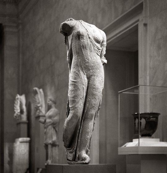 Marble statue of Aphrodite, the Venus Genetrix, copy of Greek bronze statue attributed to Kallimachos (late 5th century B.C.)