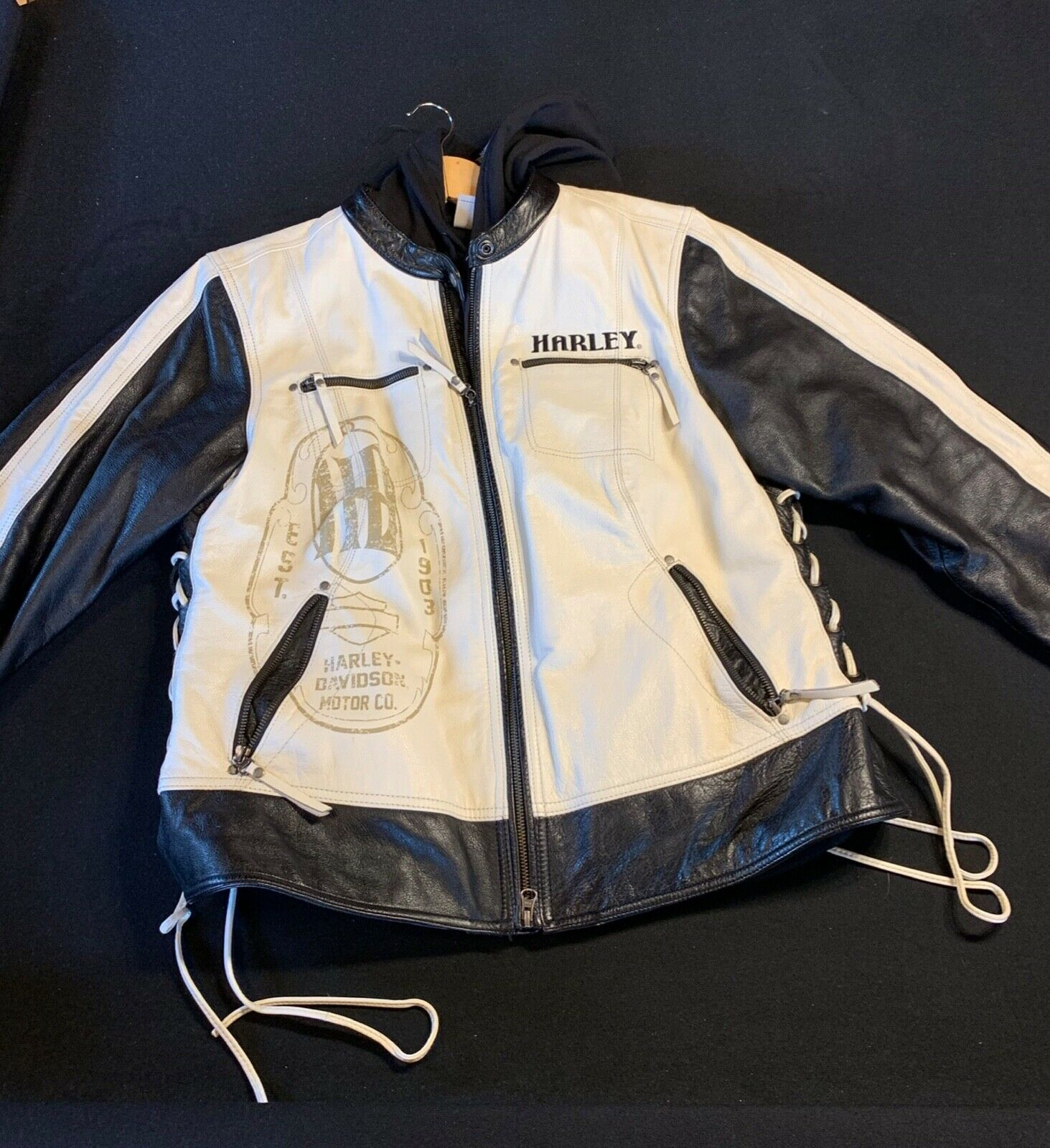 Forsale At 102 Womens Harley Davson Leather Jacket Size 2w With Snap In Hoodie Woman Leather Jacket Leather Jackets Women Jackets Ebay Hoodies [ 1600 x 1463 Pixel ]
