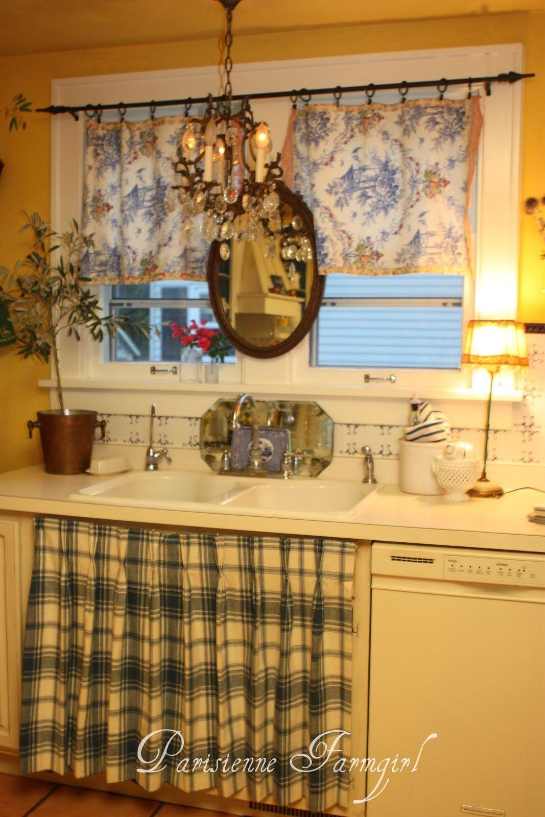 paris apartment style cottage kitchens farmhouse kitchens rh pinterest com