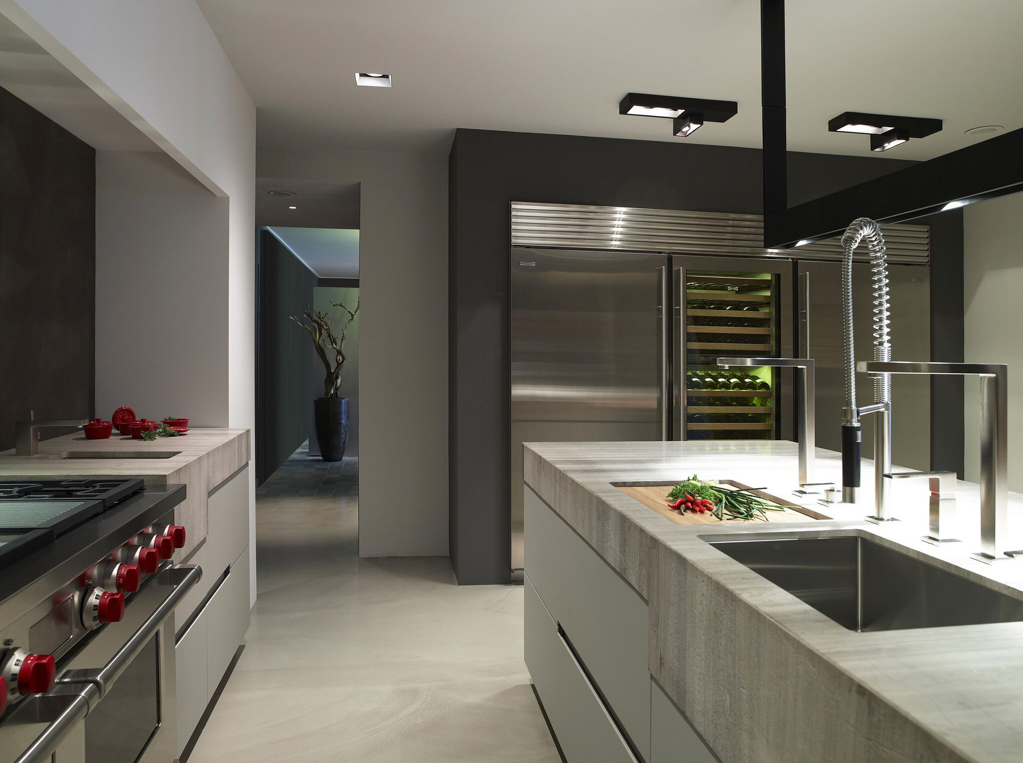 luxury bright and drk contrast kitchen with