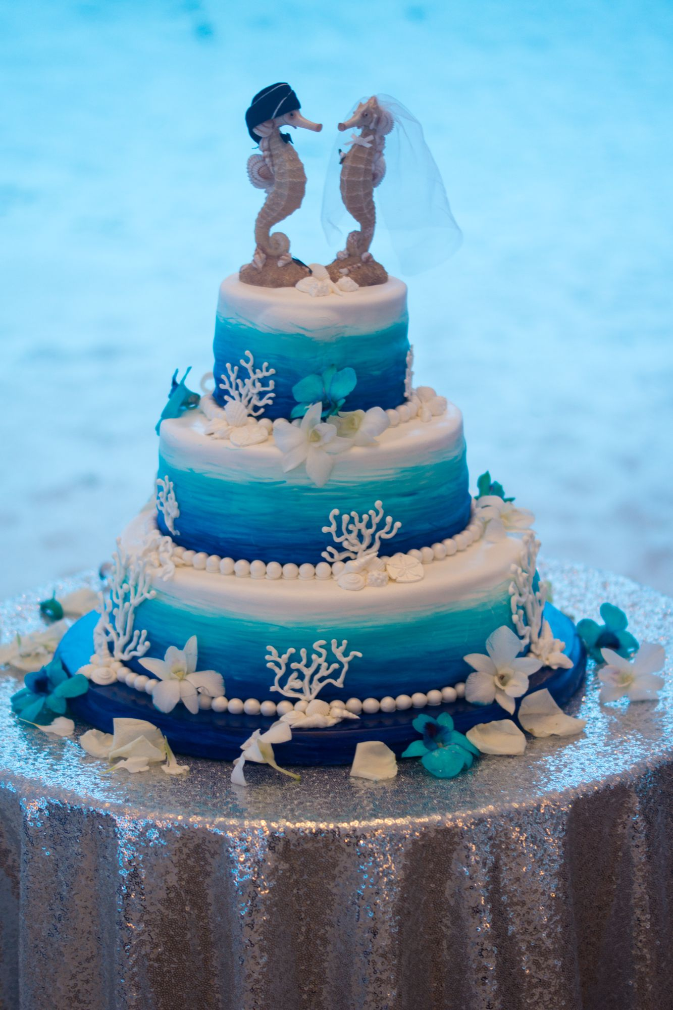Beach themed wedding cake  14 Avenida 500, Pensacola Beach, Florida www.CoastalSoirees.com