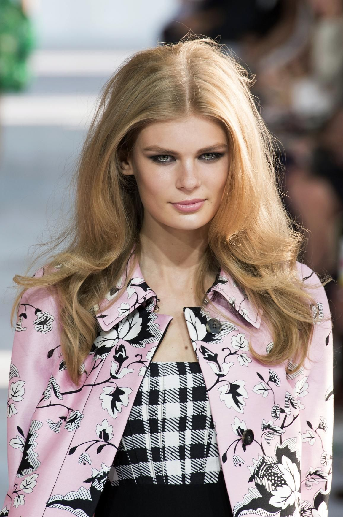 8 Hairstyles to Rock Under Your Graduation Cap   Embrace Your Hair ...