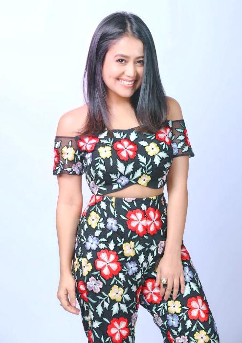Neha Kakkar in 2020 Neha kakkar dresses, Neha kakkar