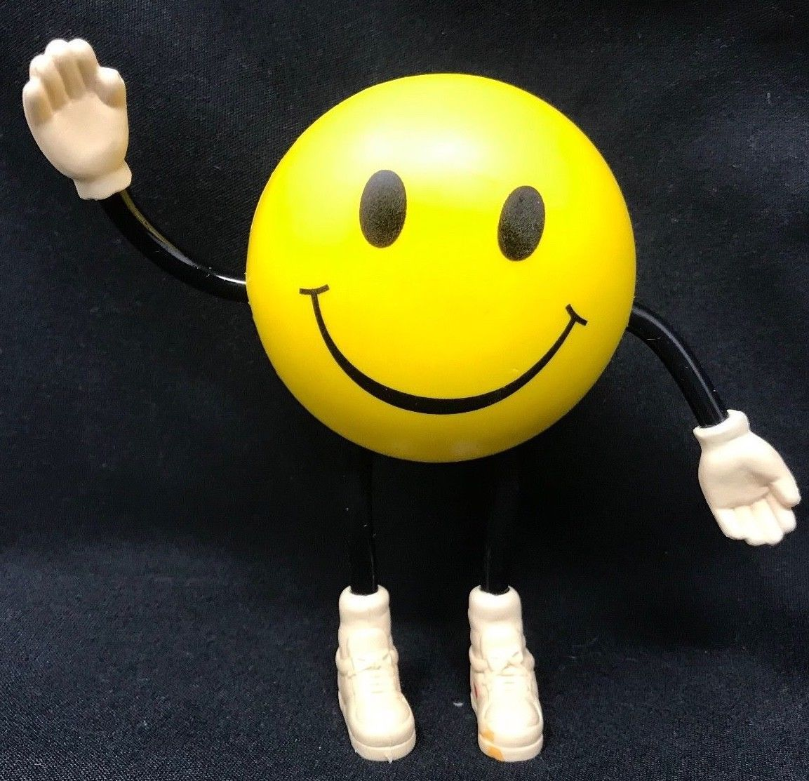 Vintage 1996 Players Island Casino Smiley Face Figurine Advertising Mo Rare Ebay Link Advertising Collectibles Casino Figurines