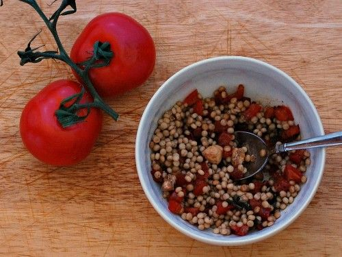 #Caprese Couscous #Salad by www.theredheadbaker.com #toohottocook