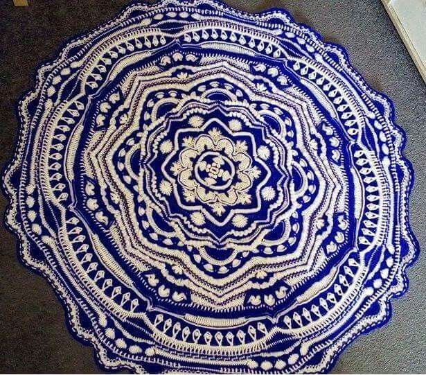 Mandala Madness - Free Pattern on Ravelry ... This one is by H. Hartmann