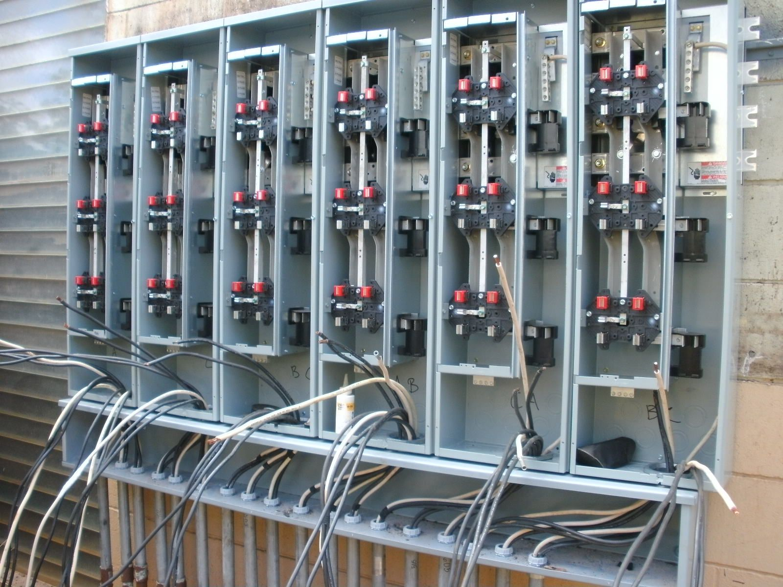 Electrical Construction Encompasses The Installation Design Wiring Testing And Maintenance Of Ele Electrical Panel Electrical Projects Commercial Electric