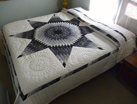 Amish Spirit Quilts Dramatic Lone Star In Black And White Mix Of Patterned And Solid Fabrics