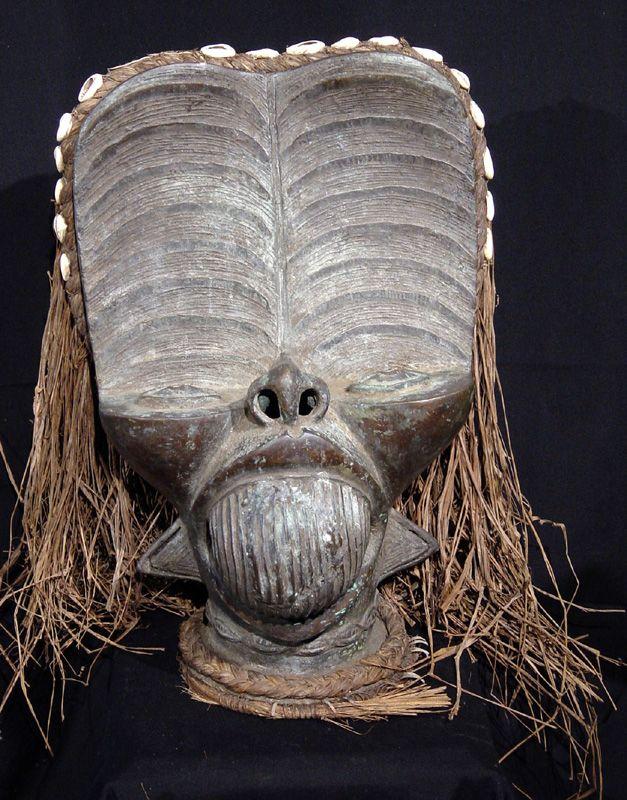 Máscara De Bronce Bamileke De Camerún Who Am I Masken