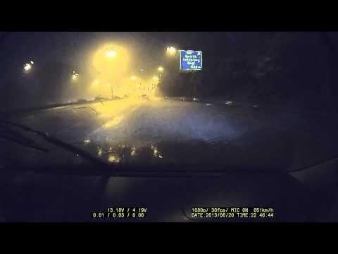 Noodweer op Belgische snelweg gefilmd met de FineVu CR-500HD Dashcam.