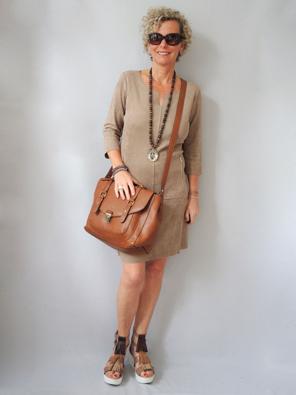Schicke Mode Für Kleine Frauen