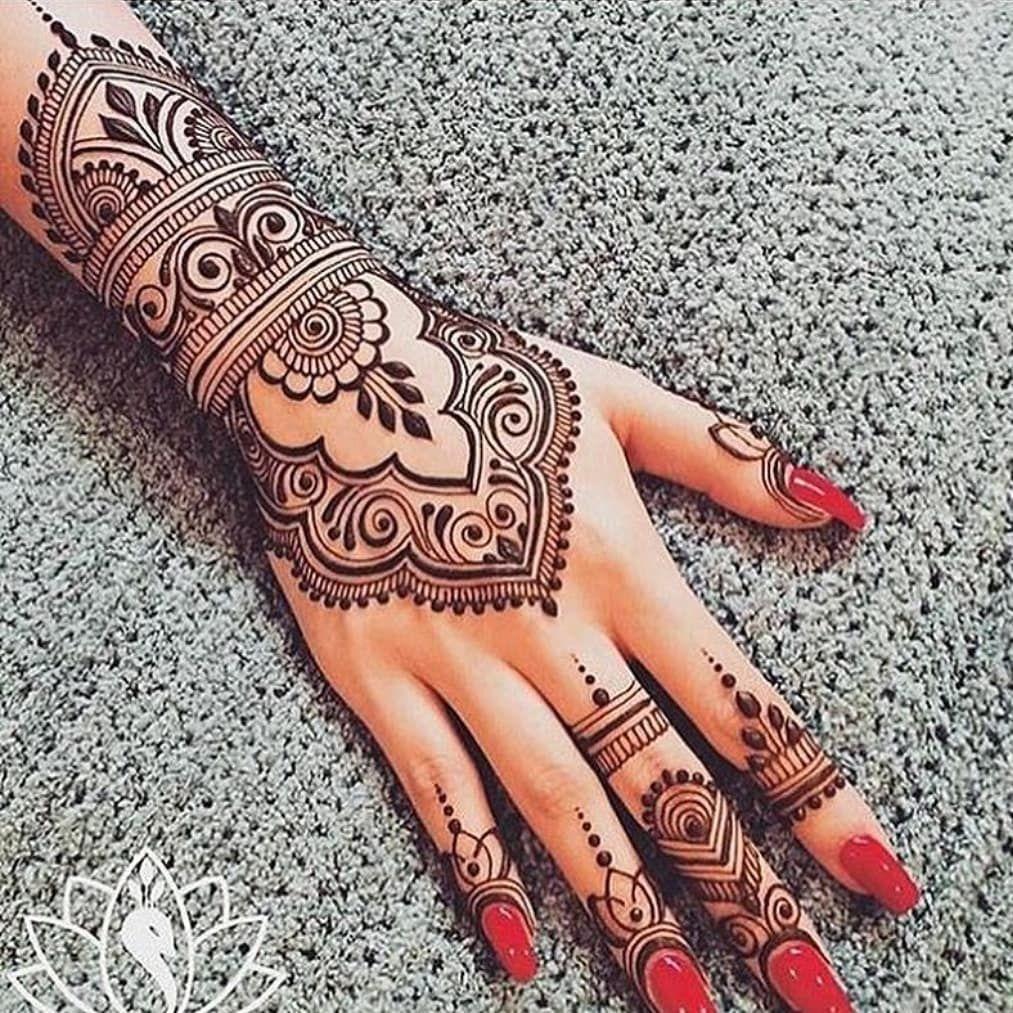 Henna Tattoo Hand Berlin: WOW(mandala Henna) Yes Or No? #mandalahenna#mandala#henna