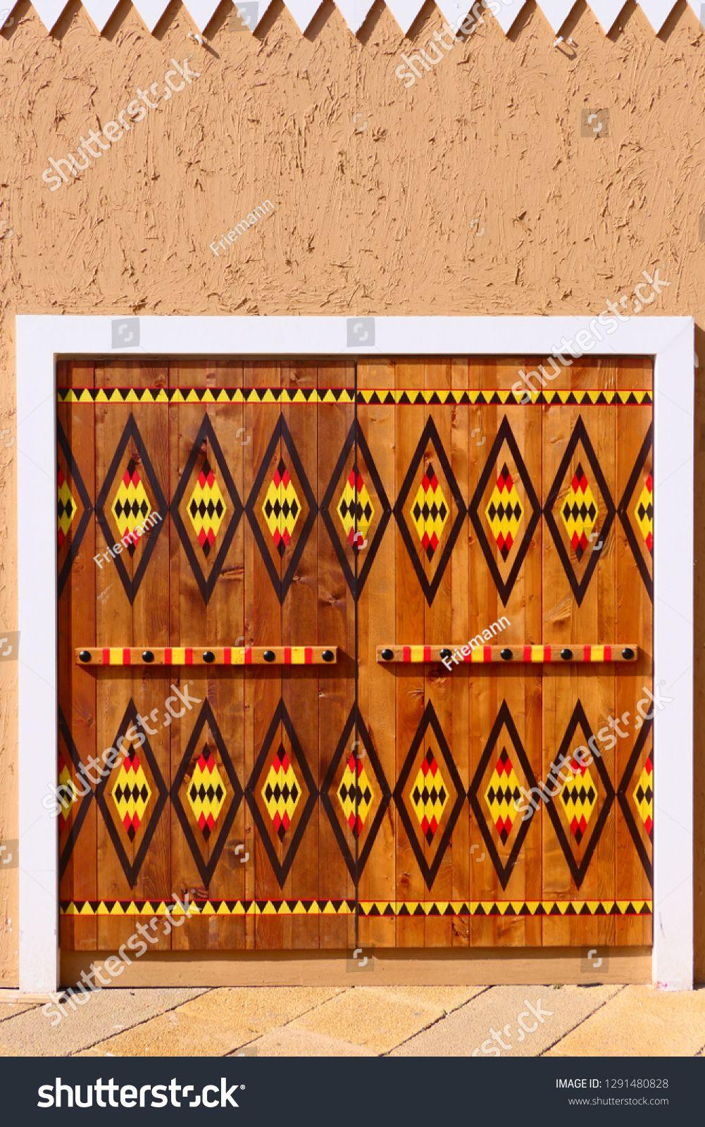 Diriyah Saudi Arabia C December 17 2018 A Historic Door In The Old City Of Diriyah An Unesco Worl Historic Doors Arabic Calligraphy Tattoo Art Inspiration