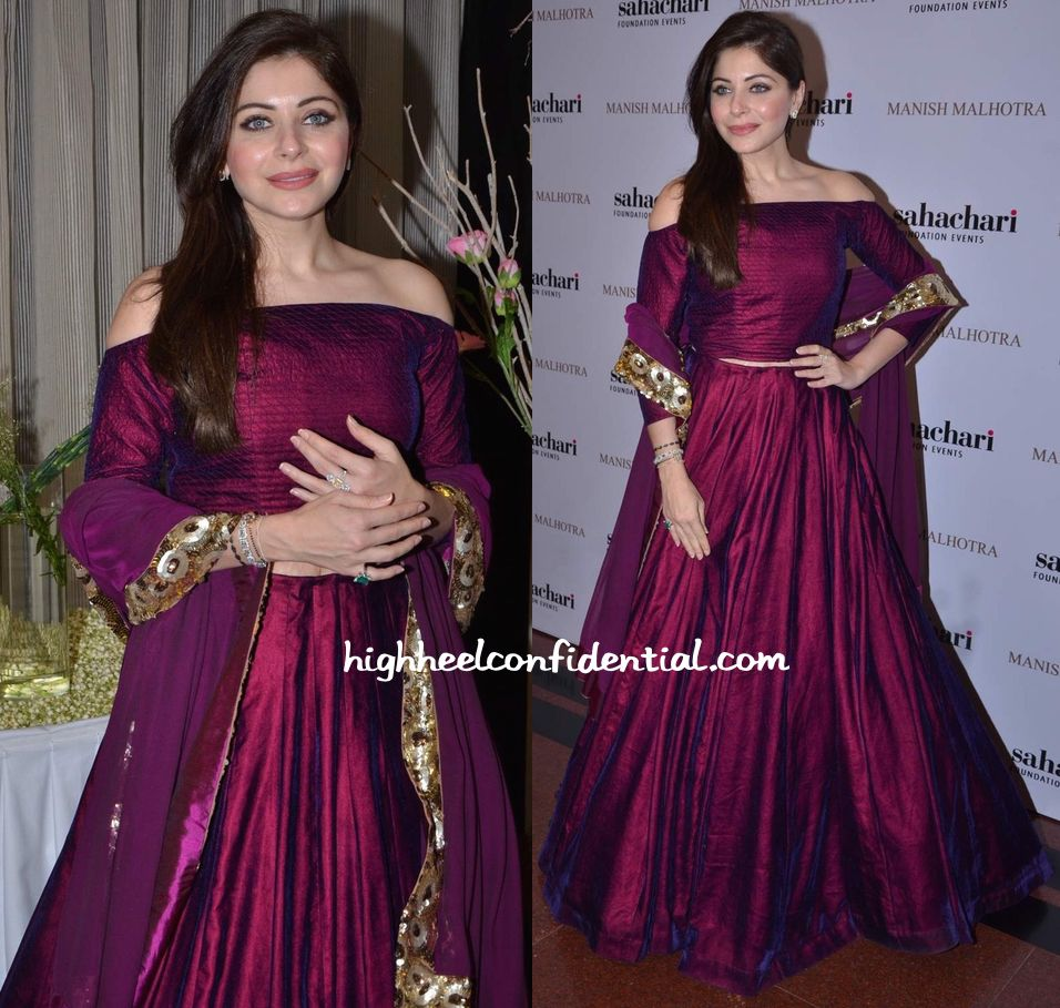 Kanika Kapoor In Manish Malhotra At The Designer's Show ...