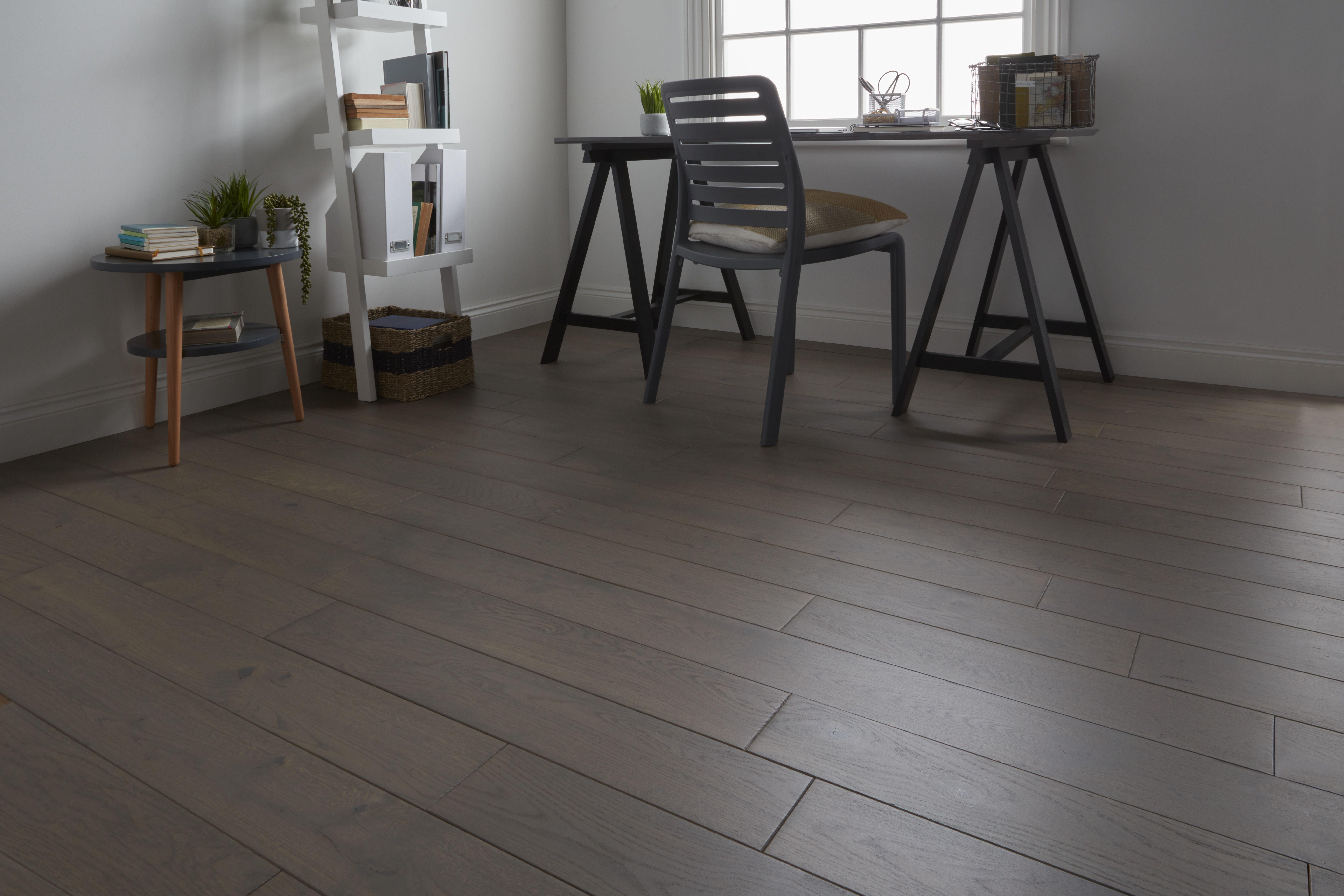 Deska Podlogowa Goodhome Saffle Dab 20 X 130 Mm 1 56 M2 Deski Podlogowe Flooring Tile Floor Saffle