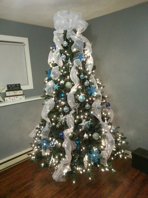 Blue Silver And White Christmas Tree White Christmas Tree Decorations Ribbon On Christmas Tree Blue Christmas Decor