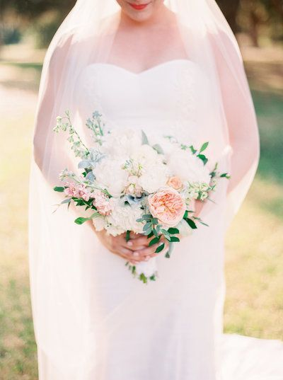 Summer Wedding in Amelia Island, Florida. Photographed by Julie Paisley Photography.