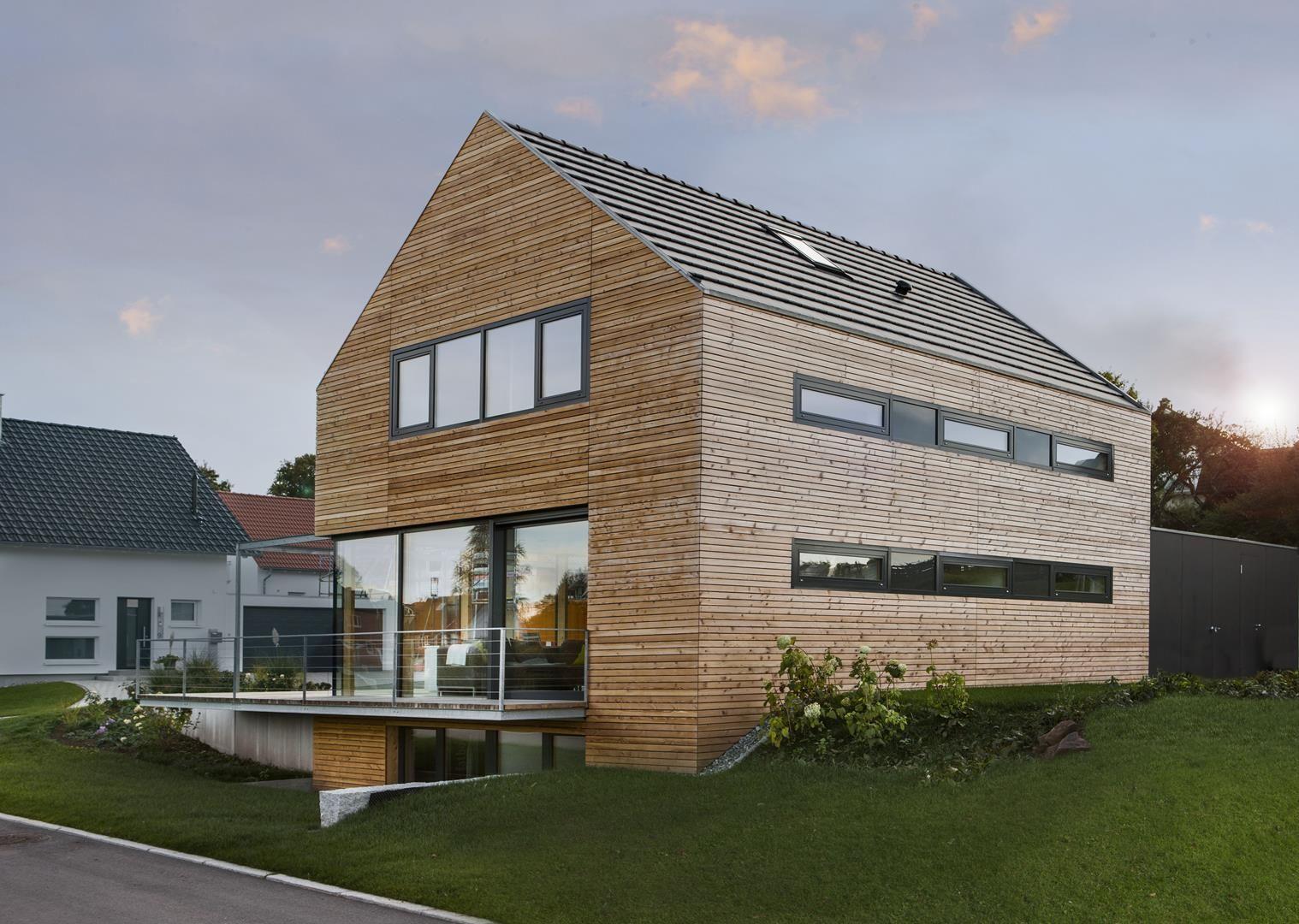 Modernes holzhaus satteldach  Holzhäuser - Werner Ettwein GmbH | holzhaustraum | Pinterest ...