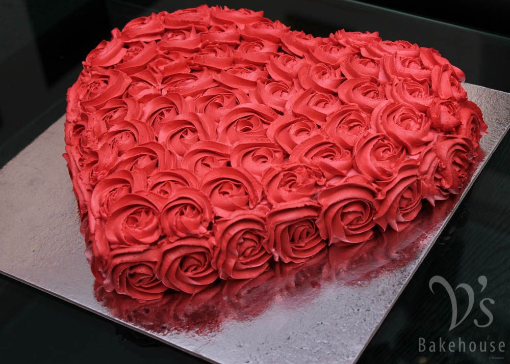 Red Velvet Vanilla Swirl Cake