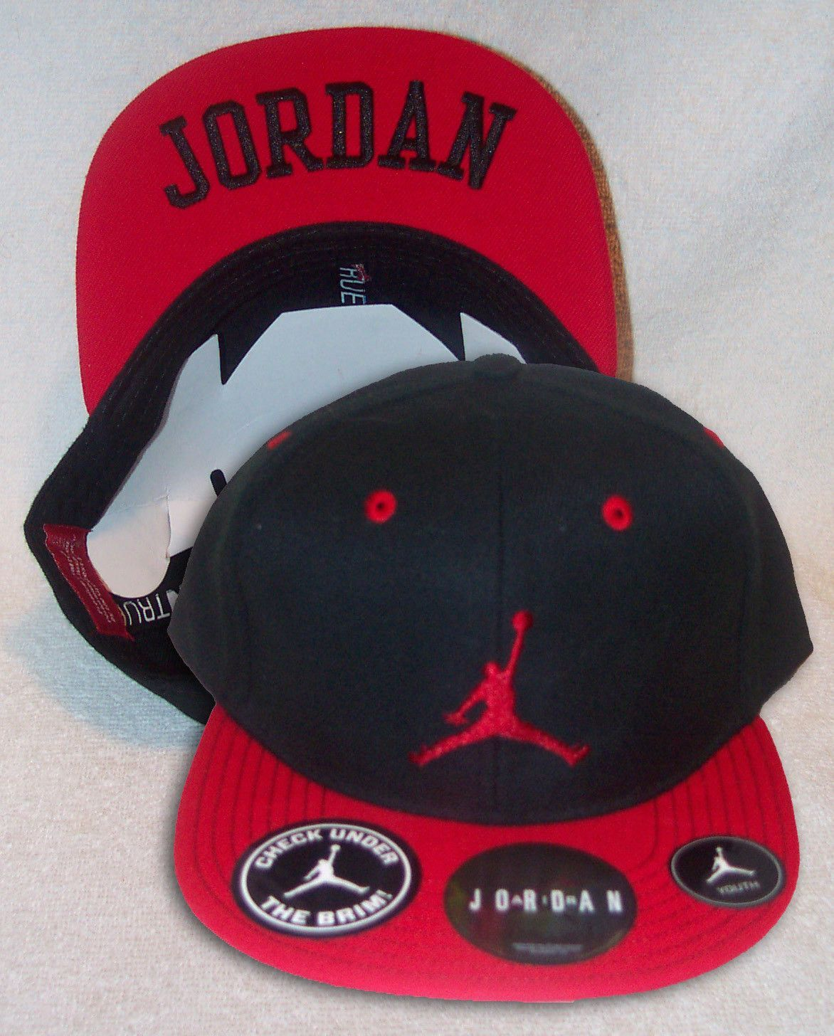 bb89ddc3c334e4 NIKE Air Jordan True Jumpman Youth Boys Black Red Snapback Hat ...