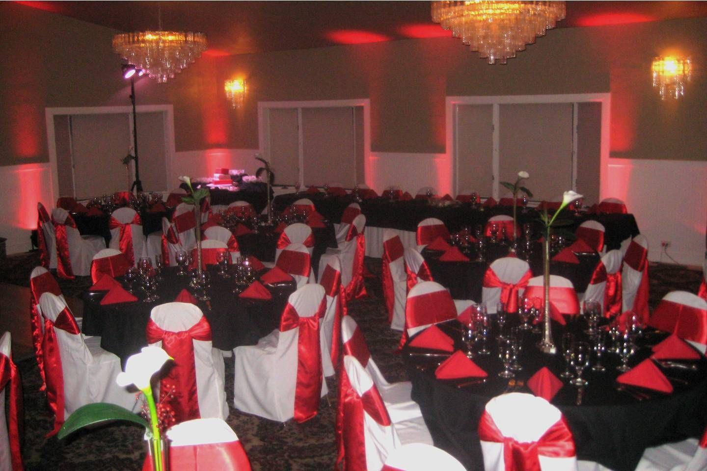 Red black and white wedding ideas cedars banquet room wedding red black and white wedding ideas cedars banquet room junglespirit Gallery
