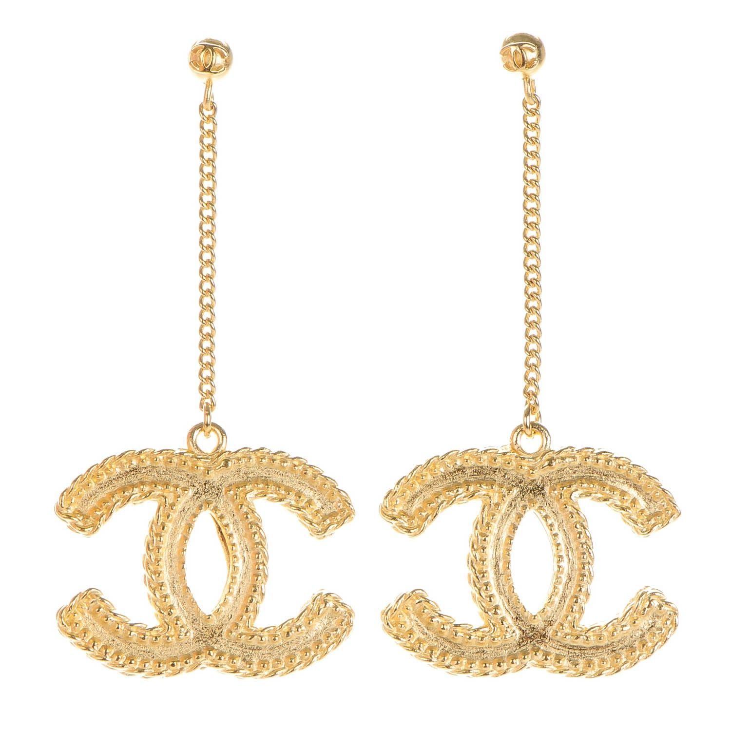 d90666c4a1cb0b This is an authentic pair of CHANEL CC Drop Earrings in Matte Gold. These  stylish