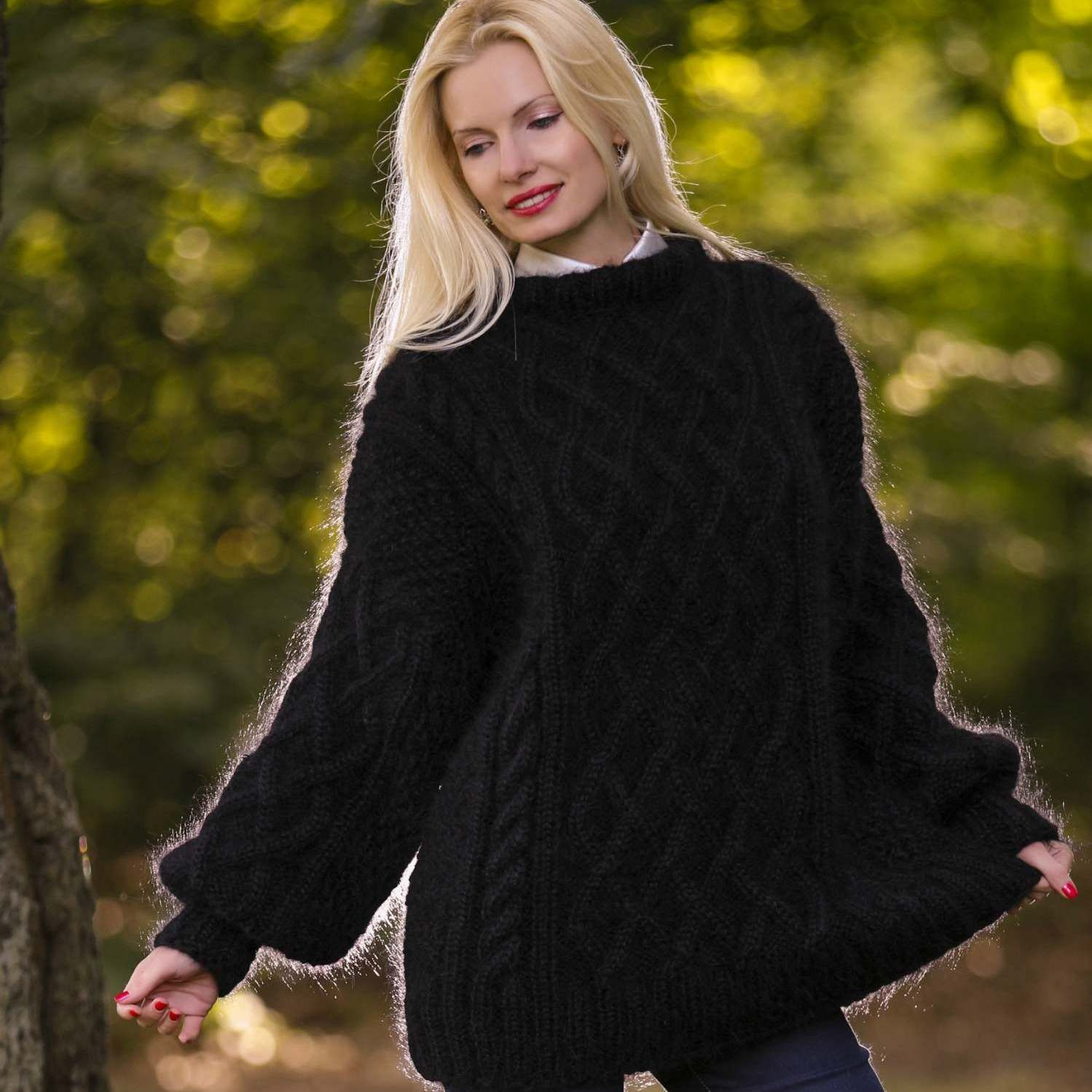 100% Hand knitted Aran mohair sweater in black, size S, M ...