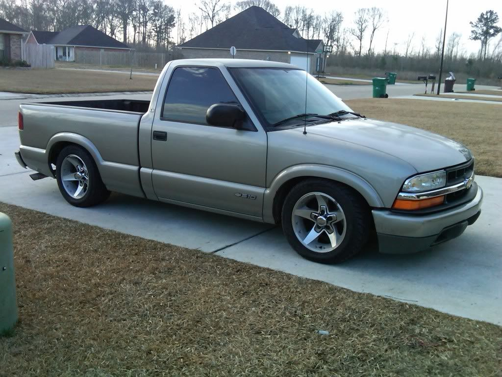 Just Dropped My S10 3 4 And Stock Wheels Rub Chevrolet S 10 Chevy S10 S10 Truck