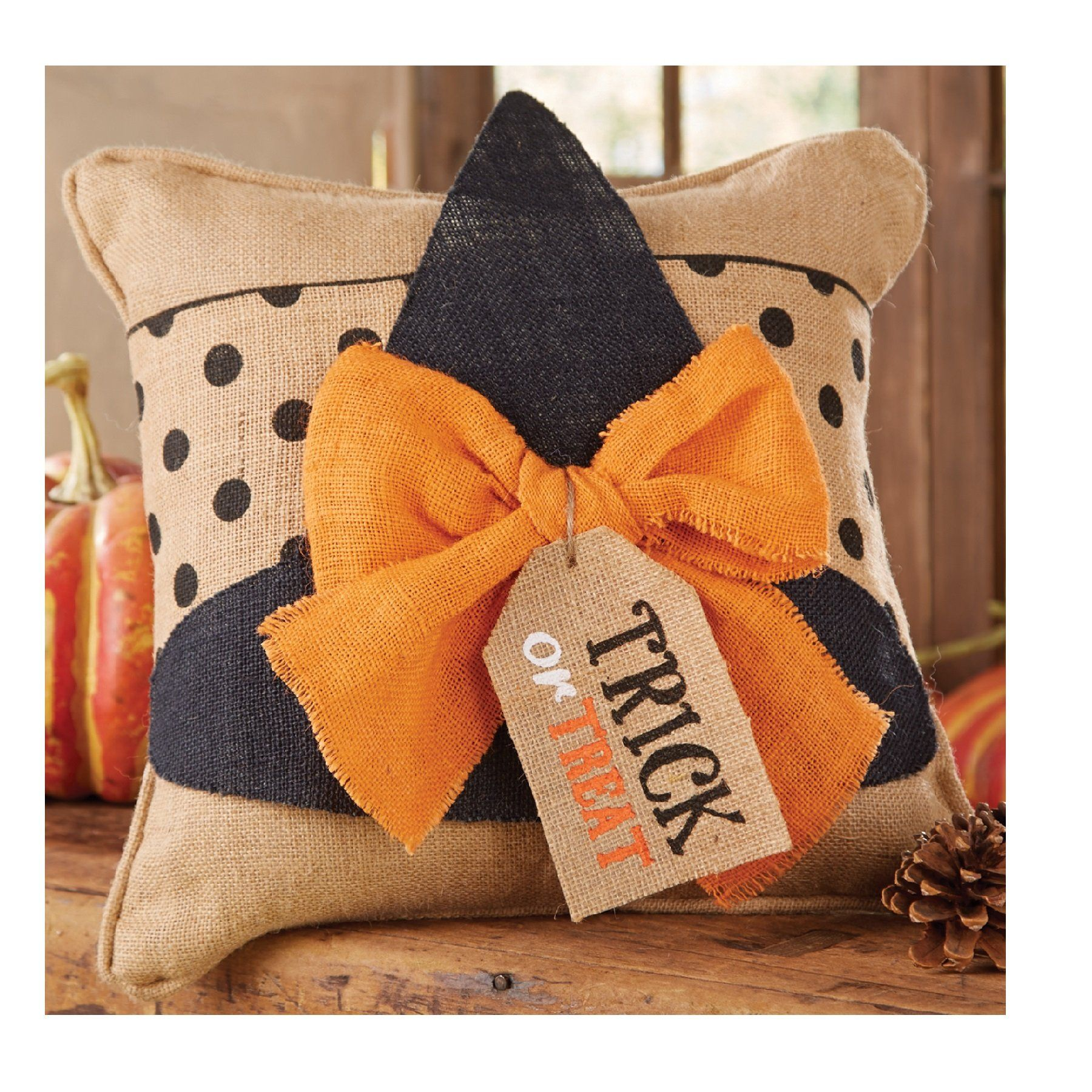 One pillow for three different holidays? This could save so much space in my tiny apt (and even smaller basement).