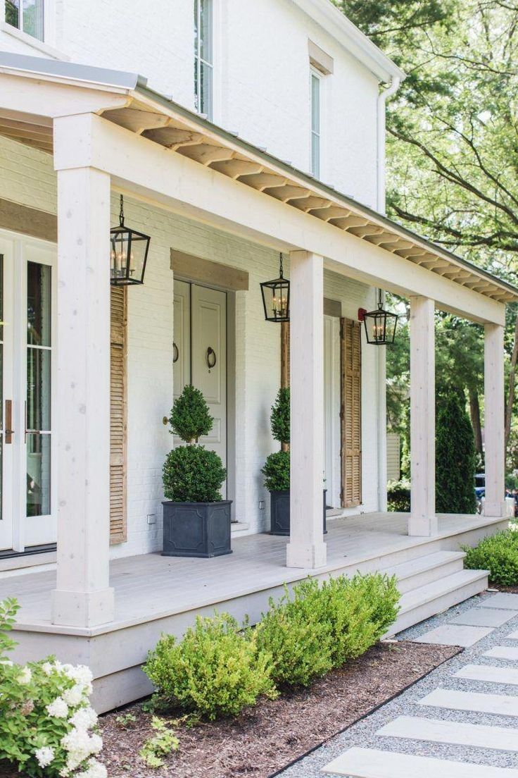 42 Bright And Refreshing Design Front Porch Ideas 22 In 2019 Front Porch Decor And Ideas Farmhouse Front Porches Front Porch Design Porch