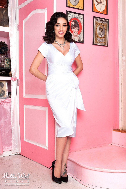 Looking for an unusual wedding dress or ... | Cool Wedding Stuff ...