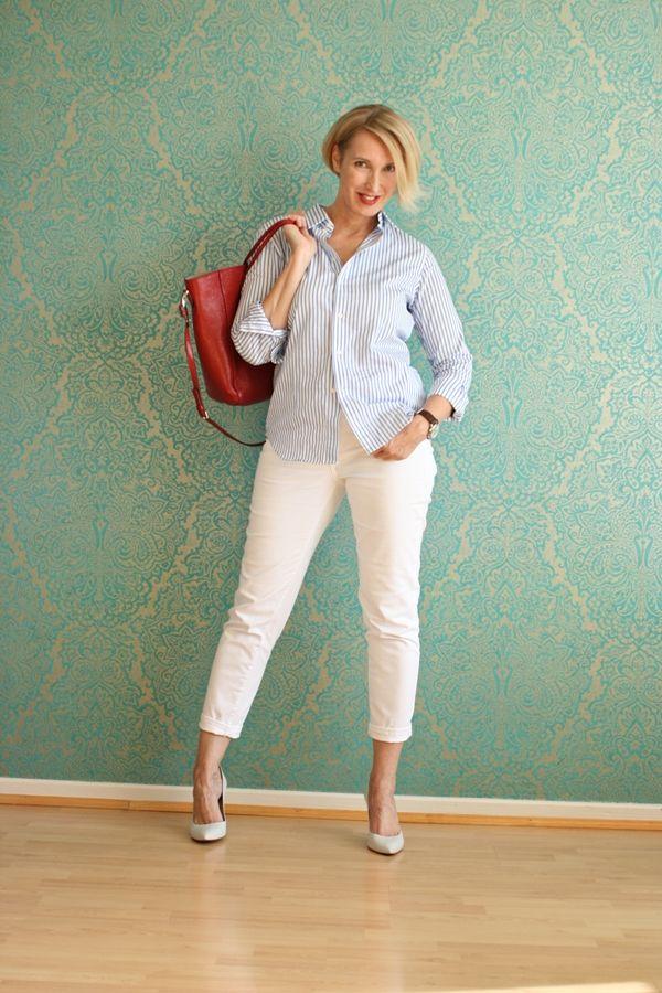 weiße hose blaue bluse
