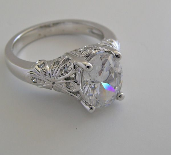 Unique Engagement Ring Settings.. One Of The Prettiest