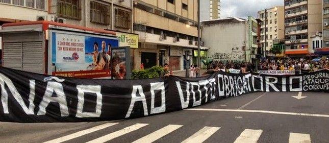 Manifestação contra o voto obrigatório (Foto: Arquivo Google)